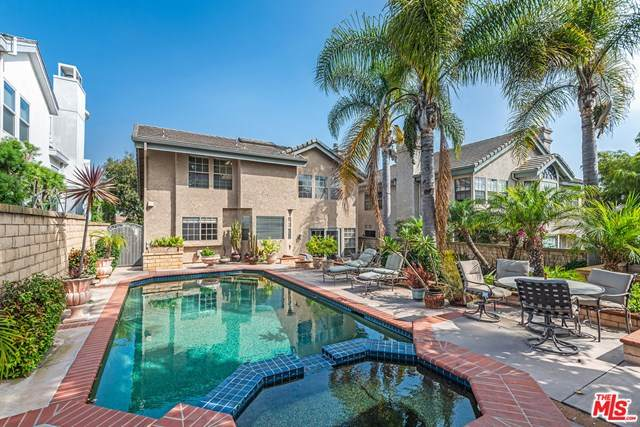 7562 W 82Nd Street, Playa Del Rey, CA 90293 (#20635688) :: Compass