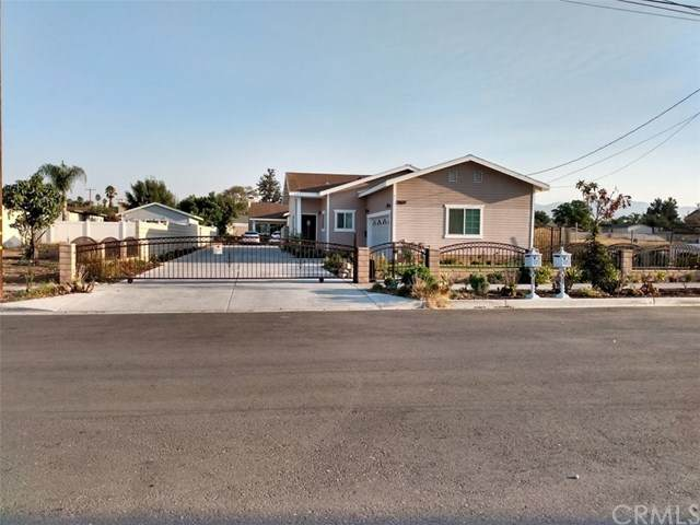 17528 Courtstreet, Fontana, CA 92336 (#WS20199809) :: Re/Max Top Producers