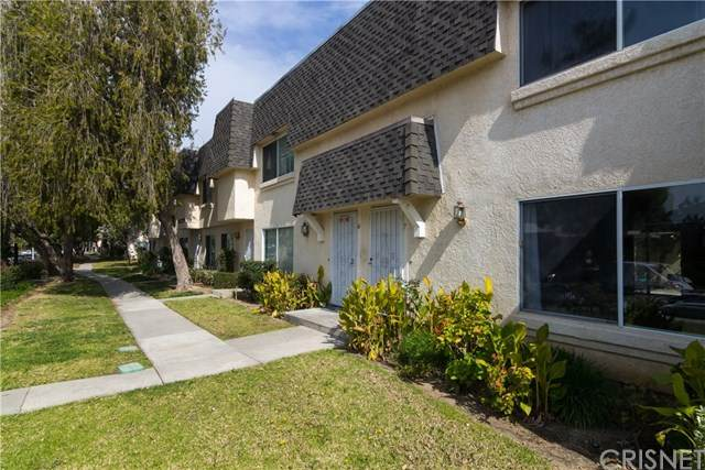 6550 Vanalden Avenue #7, Reseda, CA 91335 (#SR20199648) :: Crudo & Associates