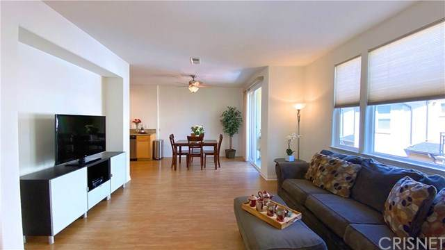 8620 Belford Avenue #305, Los Angeles (City), CA 90045 (#SR20192537) :: Blake Cory Home Selling Team