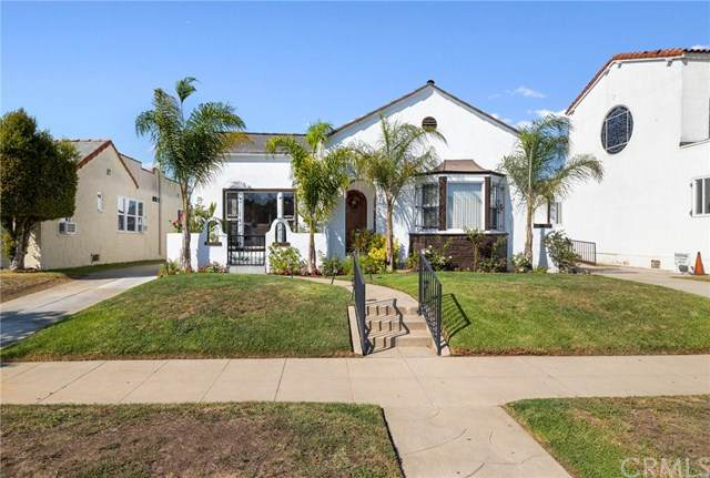 2013 W 71st Street, Los Angeles (City), CA 90047 (#DW20200586) :: The Marelly Group   Compass