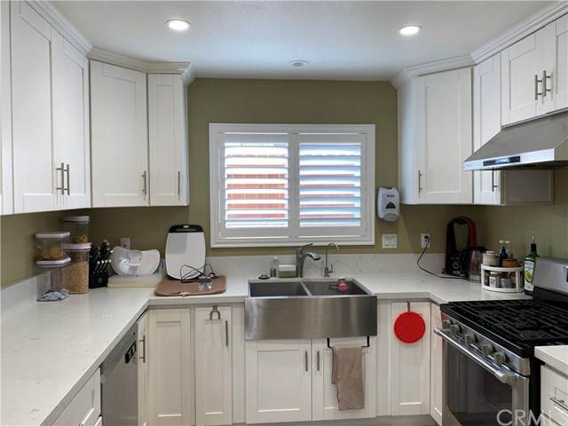 10572 Morning Glory Circle, Fountain Valley, CA 92708 (#PW20200765) :: The Najar Group