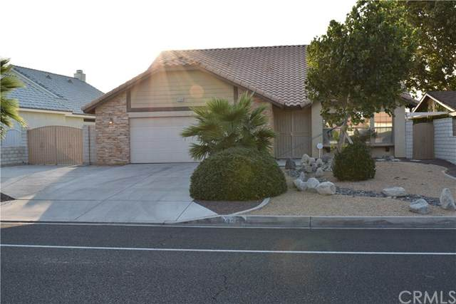 13364 Country Club Drive, Victorville, CA 92395 (#IV20183149) :: Re/Max Top Producers