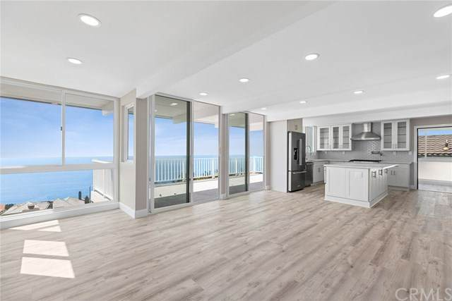 32091 Virginia Way, Laguna Beach, CA 92651 (#LG20199030) :: Berkshire Hathaway HomeServices California Properties
