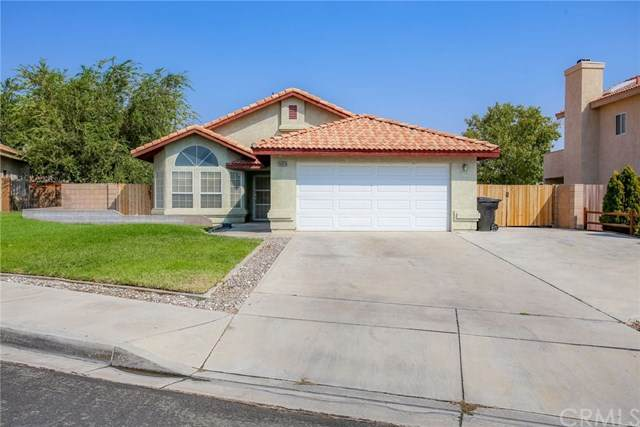 16828 Robin Lane, Victorville, CA 92395 (#OC20195430) :: Re/Max Top Producers