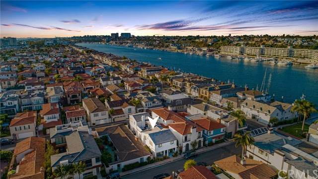 225 Via Orvieto, Newport Beach, CA 92663 (#NP20201239) :: The Houston Team | Compass