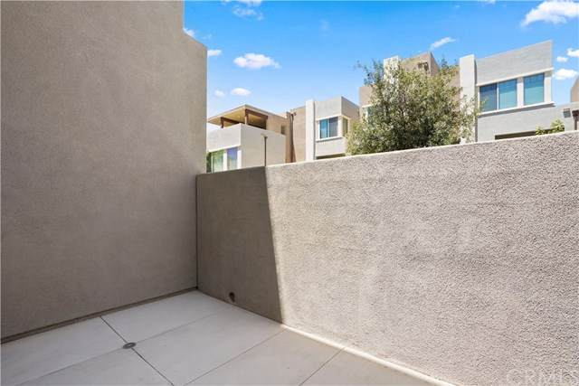 227 Magnet, Irvine, CA 92618 (#OC20200371) :: Berkshire Hathaway HomeServices California Properties