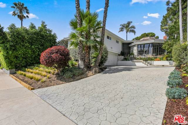 3205 Shelby Drive, Los Angeles (City), CA 90034 (#20637368) :: Berkshire Hathaway HomeServices California Properties