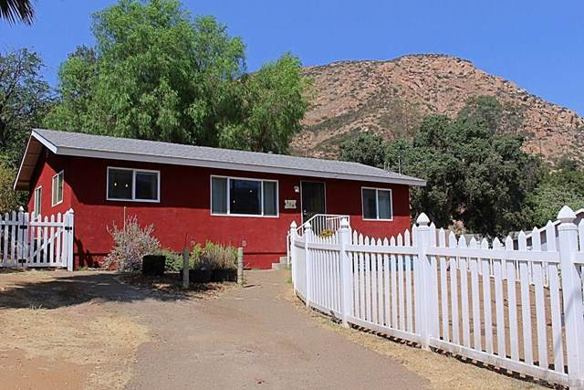 119 W Noakes St, El Cajon, CA 92019 (#200046595) :: Steele Canyon Realty