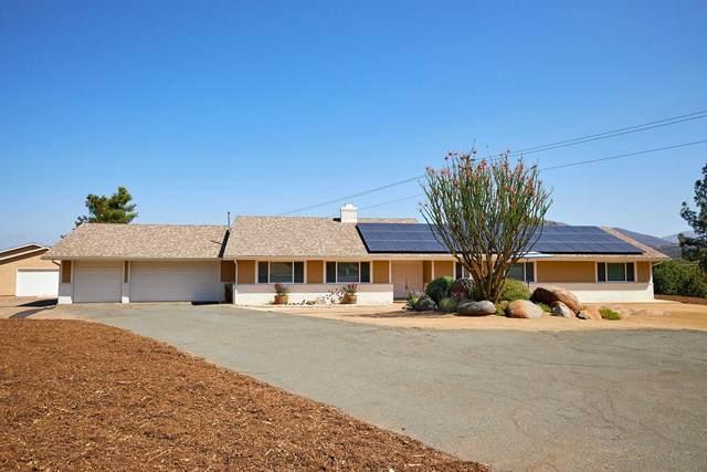 1076 Ranchito Vista, Alpine, CA 91901 (#200046598) :: Hart Coastal Group