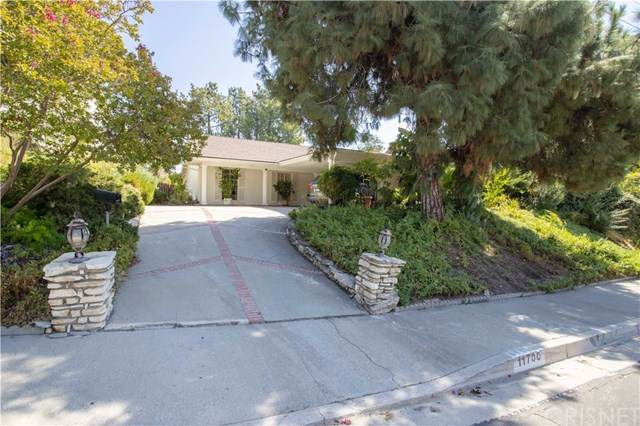 11700 Woodley Avenue, Granada Hills, CA 91344 (#SR20201976) :: The Laffins Real Estate Team