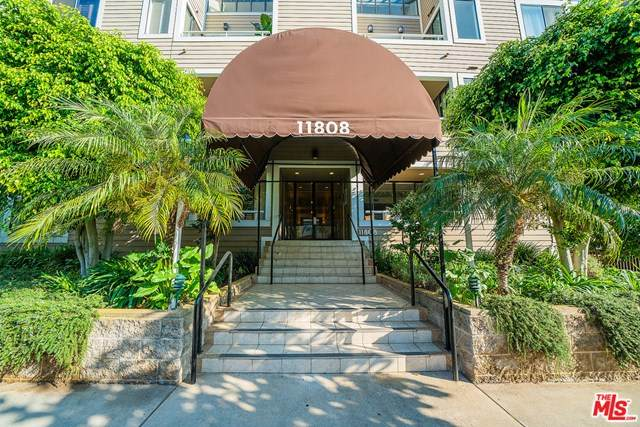 11808 Dorothy Street #107, Los Angeles (City), CA 90049 (#20637020) :: The Miller Group