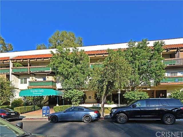 5460 White Oak Avenue J202, Encino, CA 91316 (#SR20202298) :: Crudo & Associates