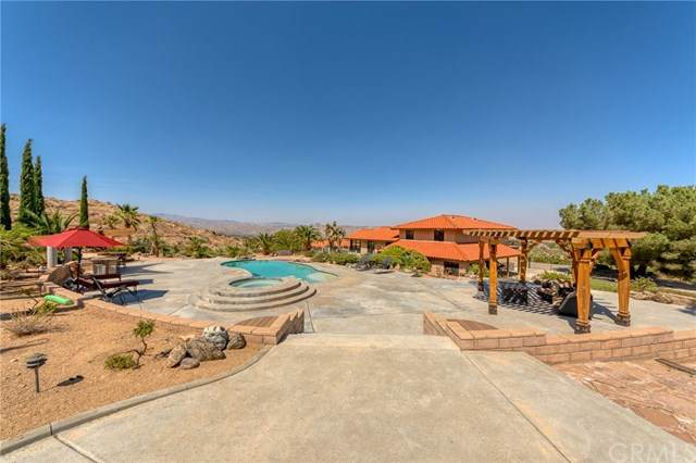 9272 Dulce Avenue, Yucca Valley, CA 92284 (#JT20202651) :: Realty ONE Group Empire