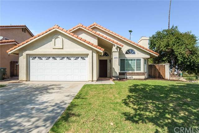 1099 Birmingham Drive, Corona, CA 92881 (#RS20202868) :: eXp Realty of California Inc.