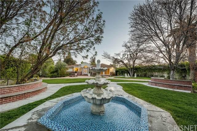 23202 Oxnard Street, Woodland Hills, CA 91367 (#SR20203478) :: Provident Real Estate
