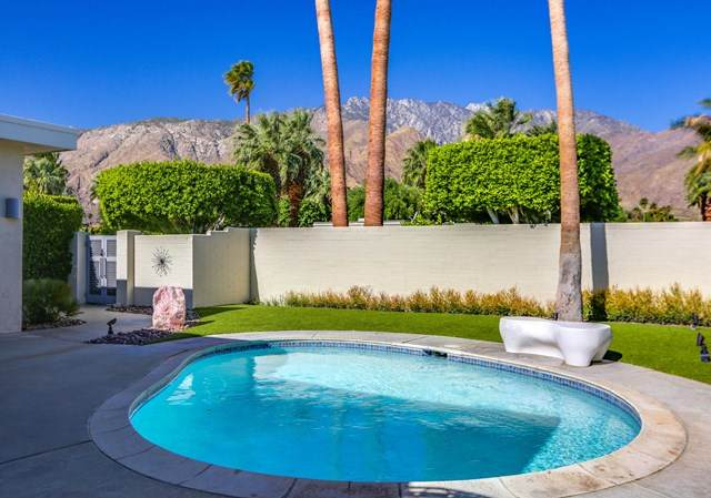 130 W Racquet Club Road #501, Palm Springs, CA 92262 (#219050425PS) :: The Costantino Group | Cal American Homes and Realty