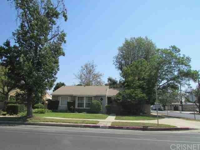 10100 Woodley Avenue, North Hills, CA 91343 (#SR20203200) :: Go Gabby