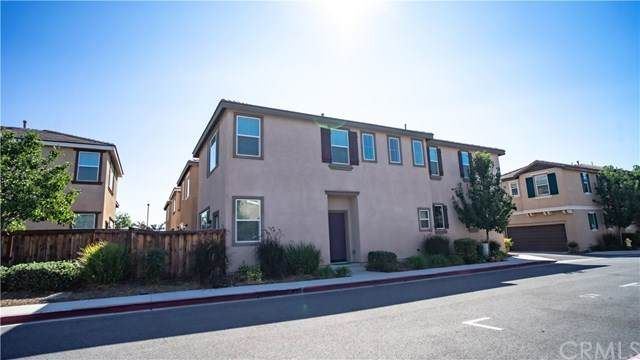 277 Bloomington Avenue #228, Rialto, CA 92376 (#RS20203630) :: The Najar Group
