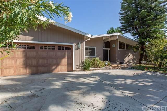 1920 Lamp Post Lane, La Canada Flintridge, CA 91011 (#SR20200299) :: The Costantino Group | Cal American Homes and Realty