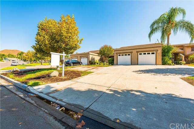 30156 Yellow Feather Drive, Canyon Lake, CA 92587 (#SW20200202) :: Re/Max Top Producers