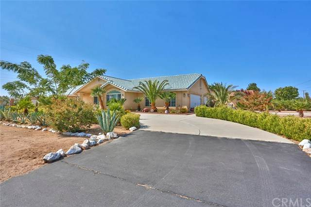 7920 Windsor Avenue, Hesperia, CA 92345 (#CV20204017) :: Hart Coastal Group