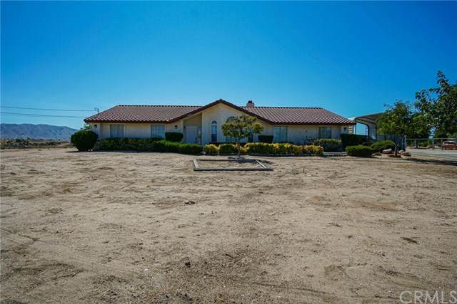 17955 Cherry Street, Hesperia, CA 92345 (#EV20204179) :: Hart Coastal Group