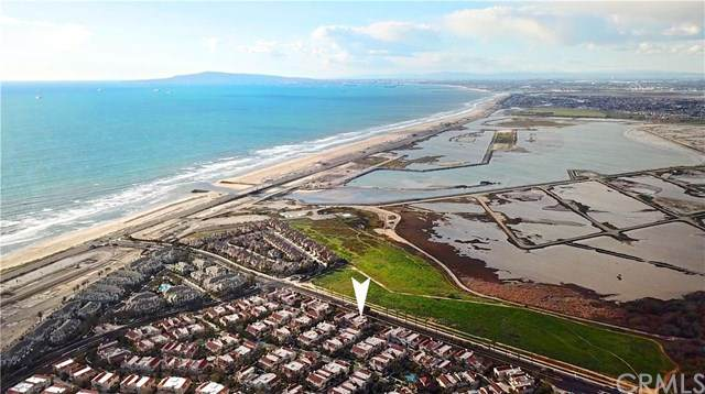 19237 Meadowood Circle, Huntington Beach, CA 92648 (#OC20204379) :: Brandon Hobbs Group