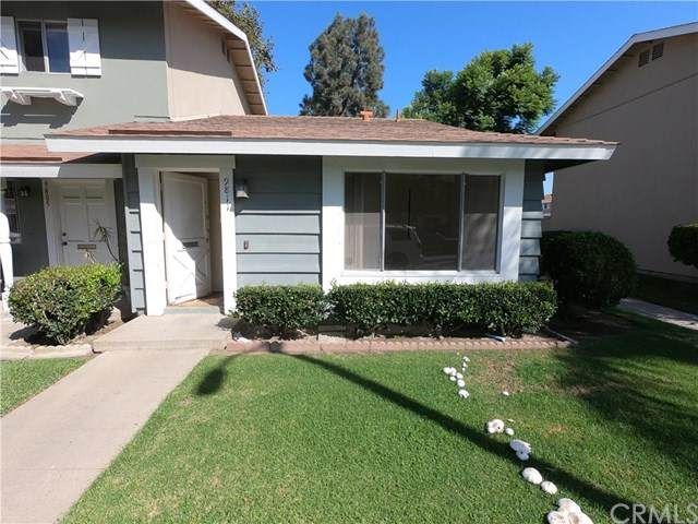 9811 Continental Drive, Huntington Beach, CA 92646 (#OC20204967) :: Brandon Hobbs Group