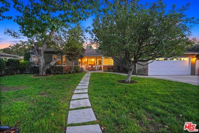 12036 Hesby Street, Valley Village, CA 91607 (#20639522) :: The Marelly Group   Compass