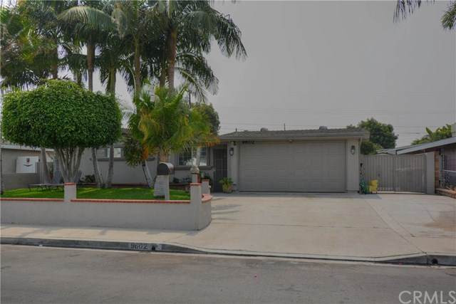 9602 Canton Avenue, Anaheim, CA 92804 (#PW20204939) :: Wendy Rich-Soto and Associates