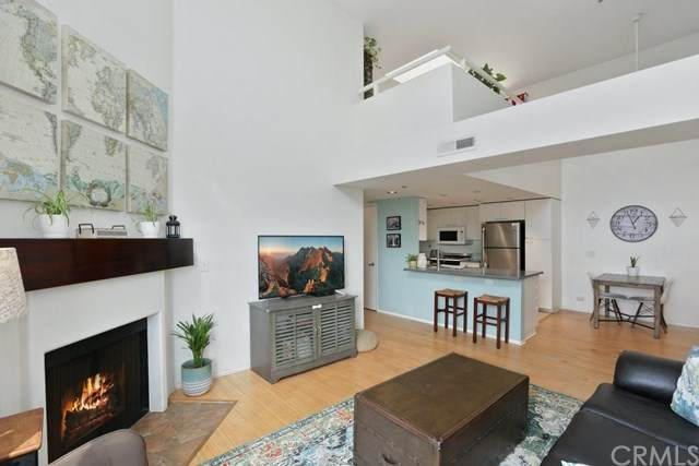 12773 Caswell Avenue #303, Los Angeles (City), CA 90066 (#SB20201321) :: The Marelly Group   Compass