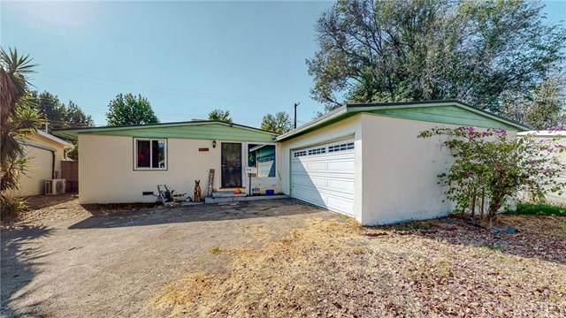 8411 Mammoth Avenue, Panorama City, CA 91402 (#SR20205209) :: The Brad Korb Real Estate Group