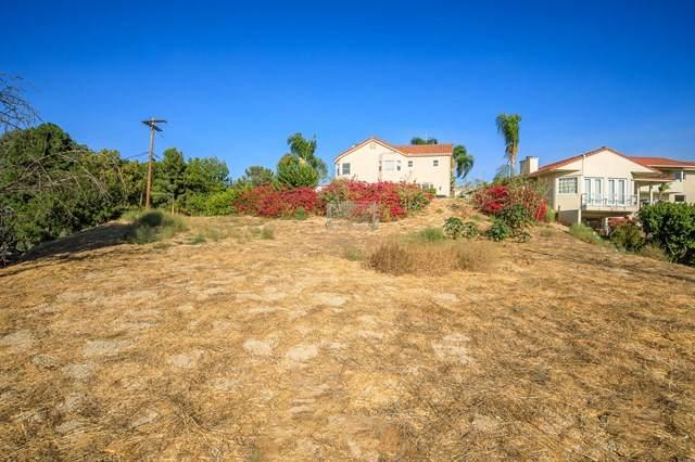 5015 Calatrana Drive, Woodland Hills, CA 91364 (#220010092) :: The Najar Group
