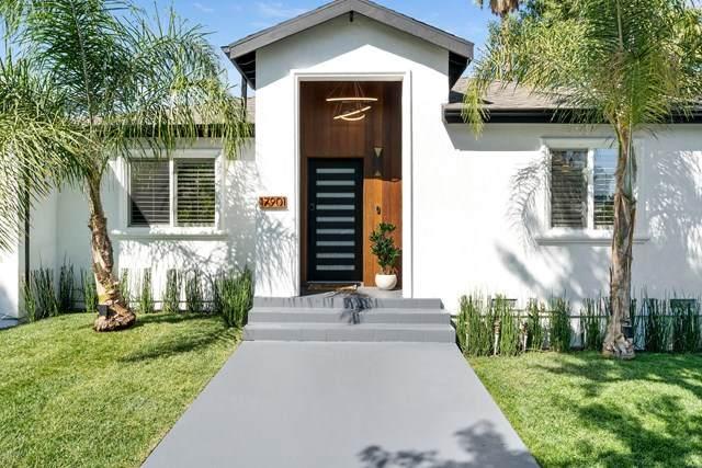 17901 Collins Street, Encino, CA 91316 (#220010096) :: The Brad Korb Real Estate Group
