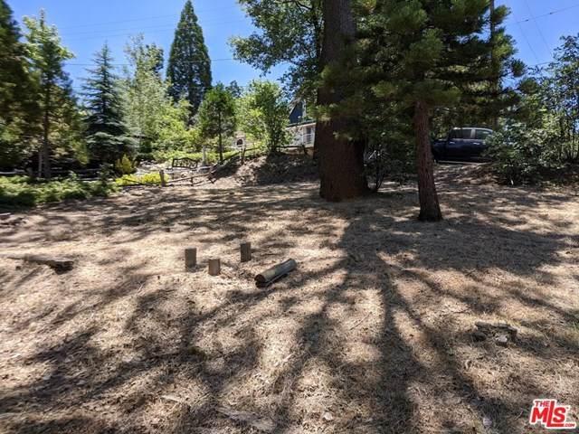 1056 Sandalwood Drive, Lake Arrowhead, CA 92352 (#20637180) :: Brandon Hobbs Group