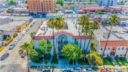 102 S Manhattan Place #105, Los Angeles (City), CA 90004 (#PW20205695) :: The Najar Group