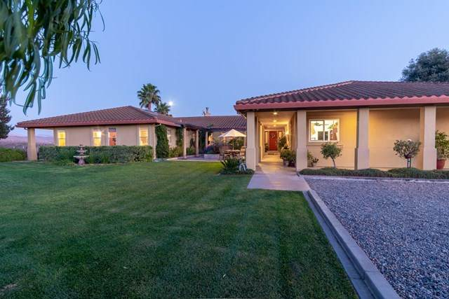 40 Vineyard Court, Hollister, CA 95023 (#ML81812080) :: eXp Realty of California Inc.