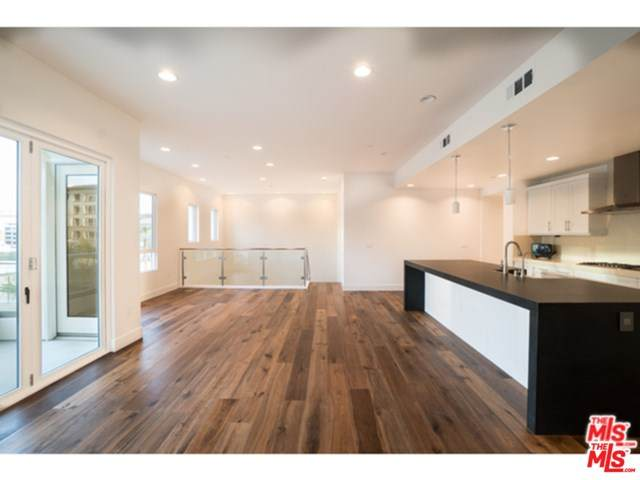 12452 Osprey Lane #1, Los Angeles (City), CA 90094 (#20640510) :: Team Tami