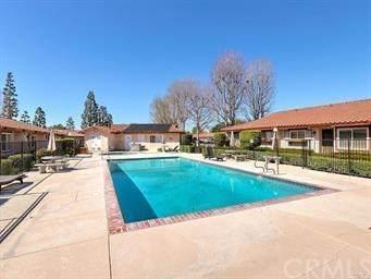 10425 Hayford Street D, Bellflower, CA 90706 (#IG20206087) :: Legacy 15 Real Estate Brokers