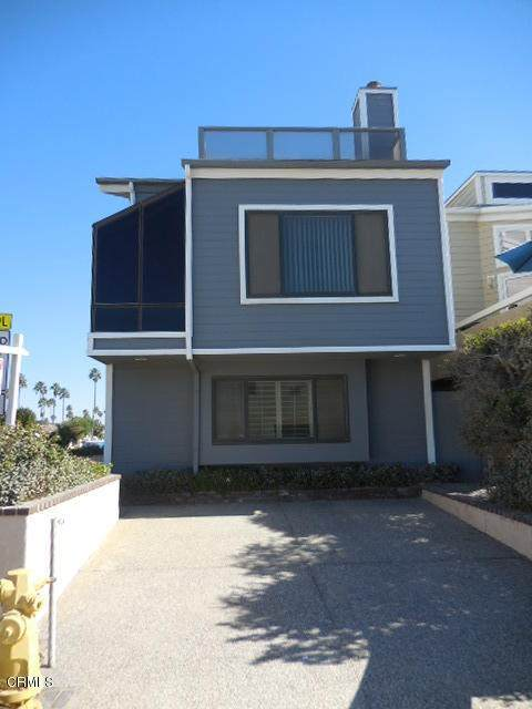 4064 Ocean Drive, Oxnard, CA 93035 (#V1-1683) :: The Results Group