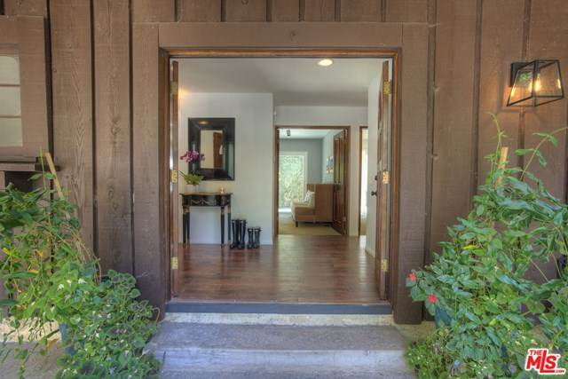 2964 Mandeville Canyon Road - Photo 1
