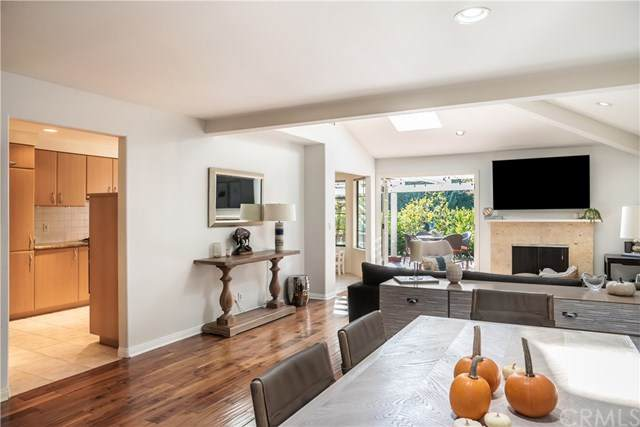 12 Dover Place, Manhattan Beach, CA 90266 (#SB20208434) :: The Costantino Group | Cal American Homes and Realty