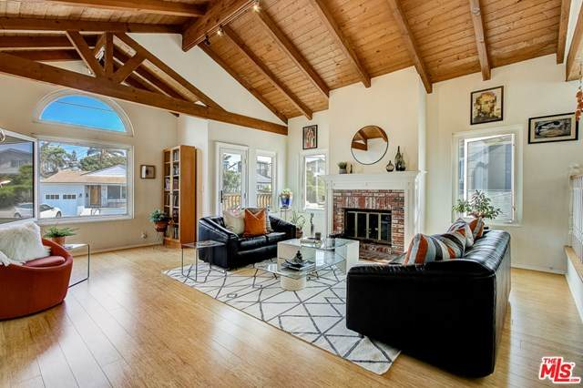 1613 Ford Avenue, Redondo Beach, CA 90278 (#20643506) :: Team Forss Realty Group