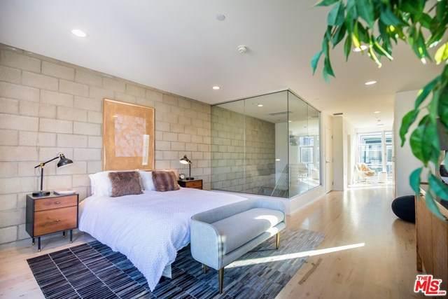 3450 W Cahuenga Boulevard #906, Los Angeles (City), CA 90068 (#20643390) :: eXp Realty of California Inc.
