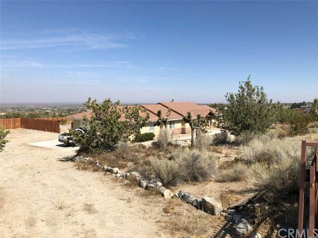 326 Buckthorne, Pinon Hills, CA 92372 (#IV20213060) :: The Results Group