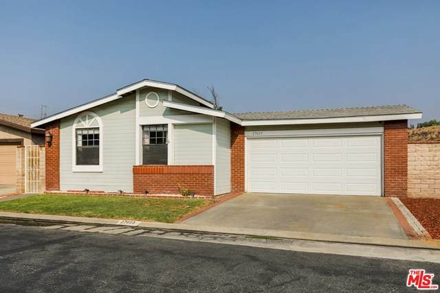27623 Agate Way, Castaic, CA 91384 (#20644390) :: The Miller Group