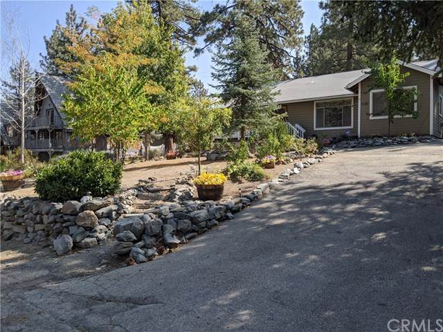 2071 State Hwy 2, Wrightwood, CA 92397 (#CV20214317) :: Team Forss Realty Group