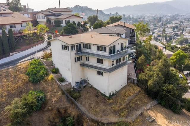 4558 Sunnycrest Drive, Los Angeles (City), CA 90065 (#PV20214053) :: The Parsons Team