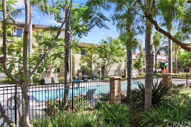 1724 Rolling Water Drive #2, Chula Vista, CA 91915 (#PW20216540) :: The Miller Group